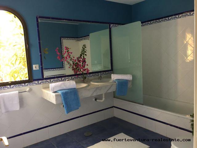 Zu verkaufen! Schöne Villa im Oasis Papagayo & Resorts Komplex in Corralejo