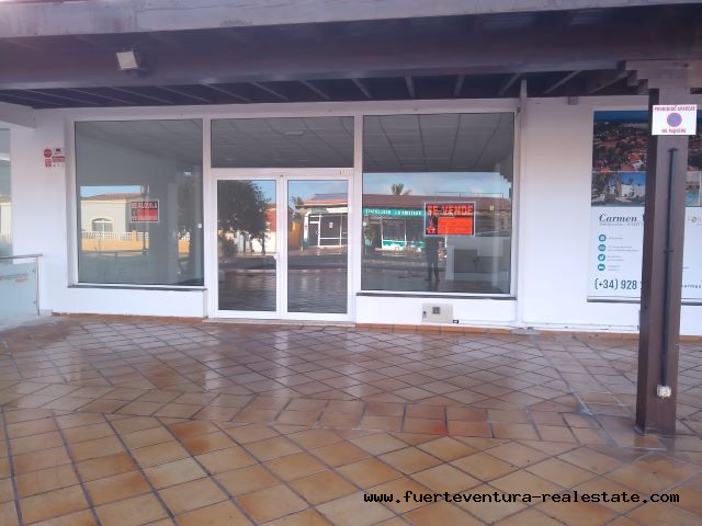 For sale or rent! Commercial property in the Tamarindo oasis in Corralejo