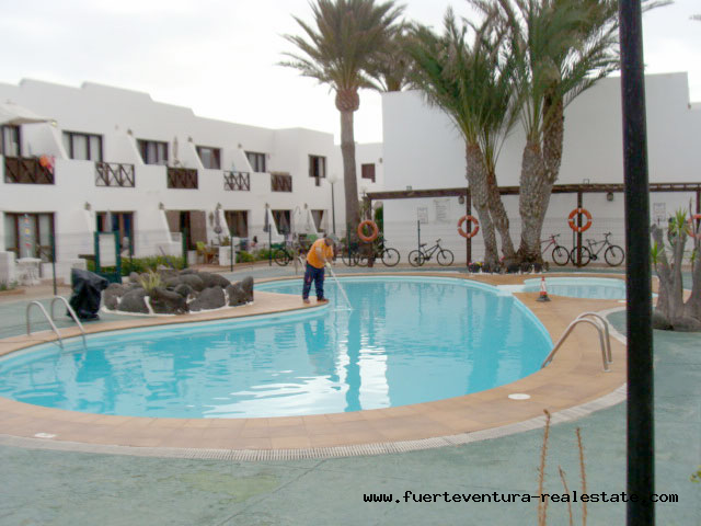 Wij verhuren een leuk appartement met gemeenschappelijk zwembad op een goede locatie Corralejo op Fuerteventura