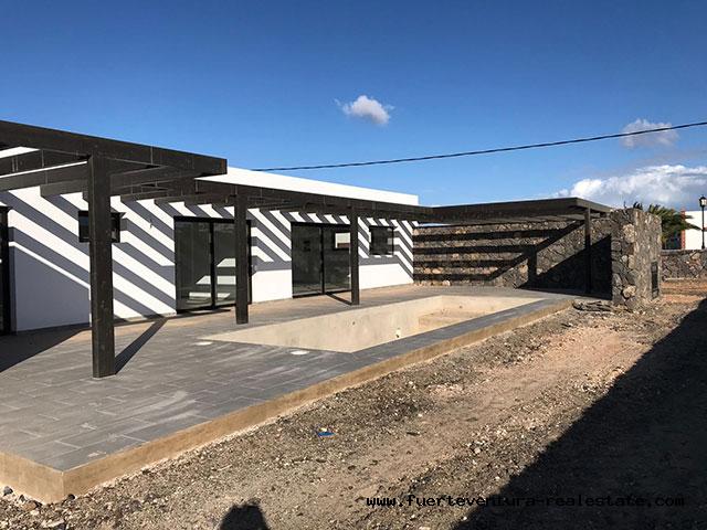 Te koop! Prachtige nieuw gebouwde villa in het dorp Lajares op Fuerteventura