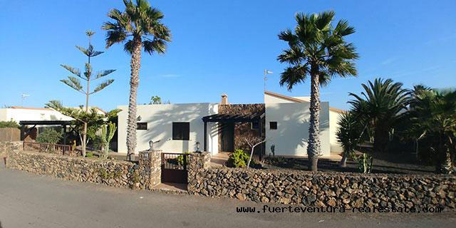 For sale! Large villa in the village of Lajares in Fuerteventura
