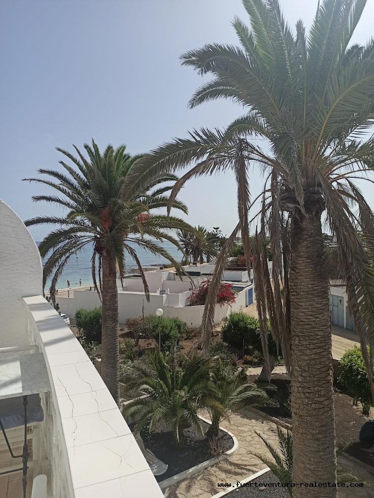 ¡En venta! Piso en Hoplaco, complejo residencial en el centro de Corralejo con vistas al mar.