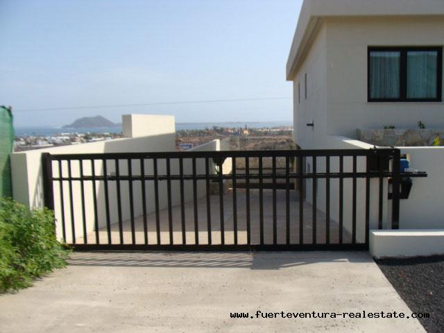 Moderne Design Villen mit Grundstück mit einmaligen Meerblick in Corralejo Fuerteventura