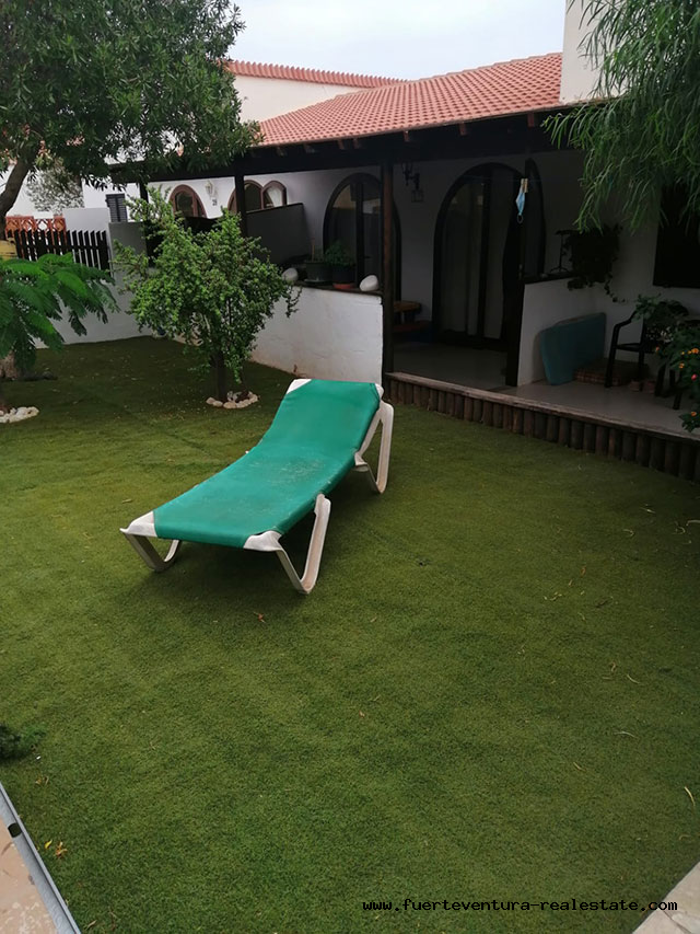 À vendre! Bungalow dans le quartier résidentiel du Parque Holandes à Fuerteventura