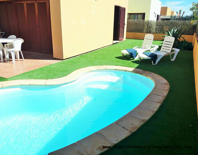 For sale. Precious Villa with pool at Urbanisation Tamaragua Corralejo