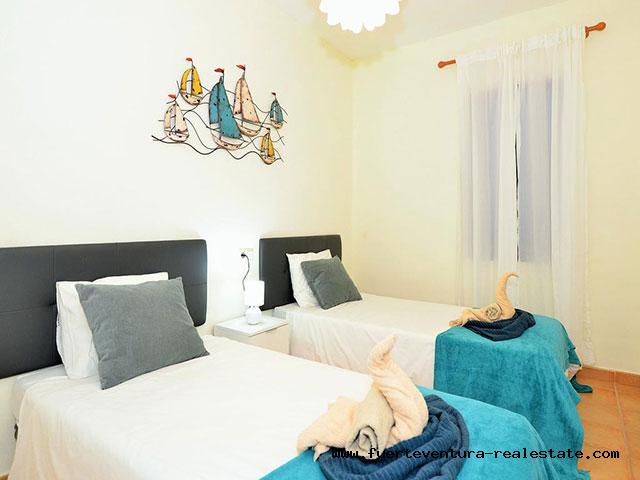 Im Verkauf Eine schöne Villa mit Pool in der Siedlung Tamaragua in Corralejo