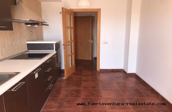 Zu verkaufen! 3-Zimmer-Apartments und private Dachterrasse in Corralejo auf Fuerteventura