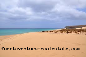 We sell investment properties such as hotels and tourist apartment complexes on Fuerteventura