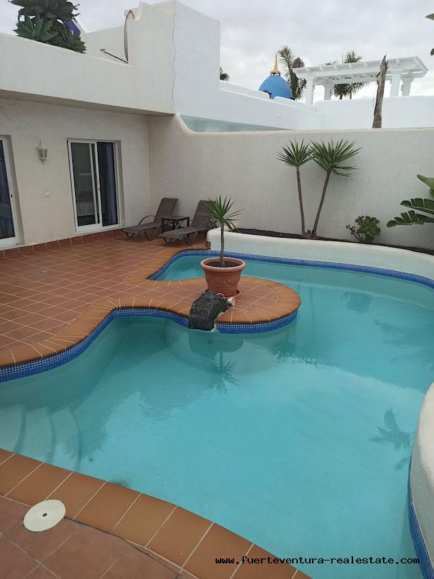 Zu verkaufen! Luxusvilla in Bahia Azul, Corralejo