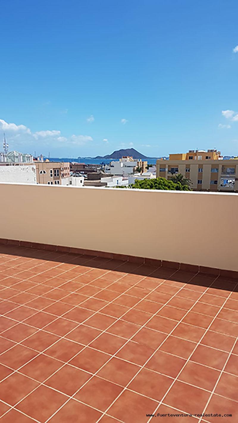 Nous louons un très bel appartement à Corralejo avec vue sur la mer