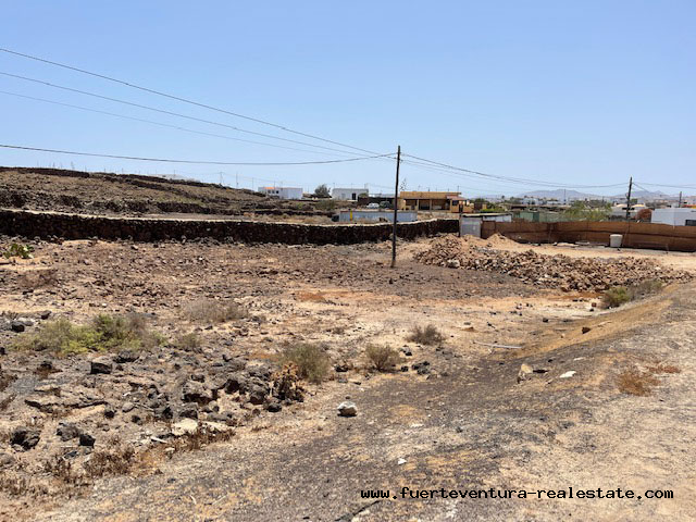 Wir verkaufen eine bebaubare Parzelle von 1.000m2 in Lajares Fuerteventura