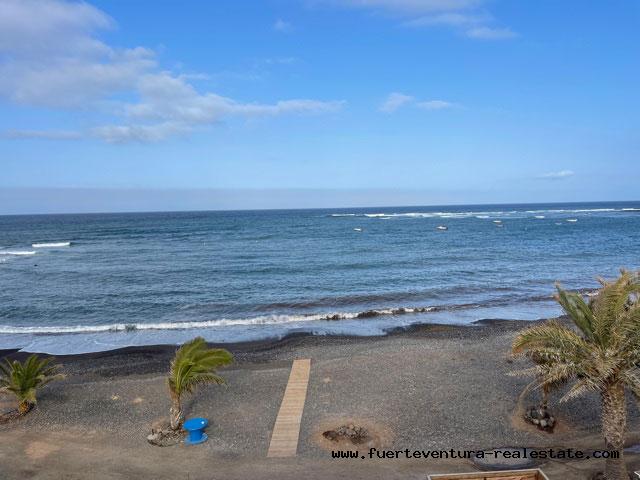 Vendemos precioso ático en primera línea de playa en Puerto Lajas