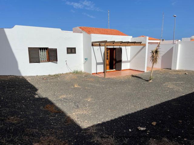 We are selling a beautiful chalet in Puerto del Rosario Fuerteventura