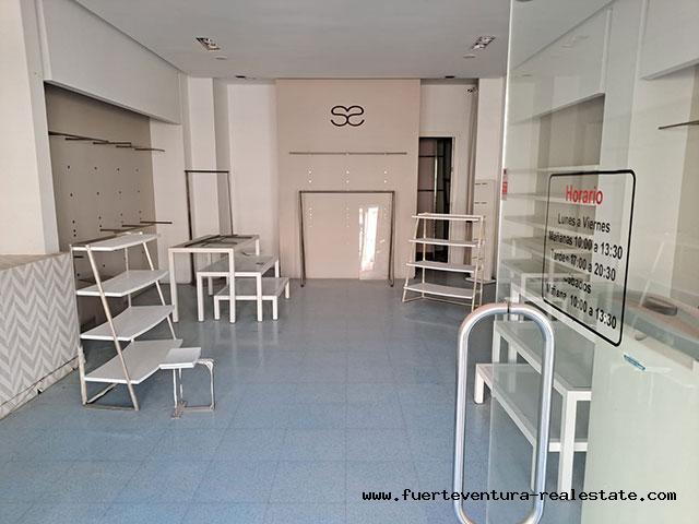 Wir vermieten ein gewerbliches Lokal mit guter Lage in Puerto del Rosario